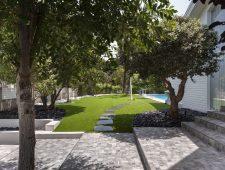 עיצוב עם דשא סינטטי