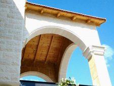 גג מעץ אורן